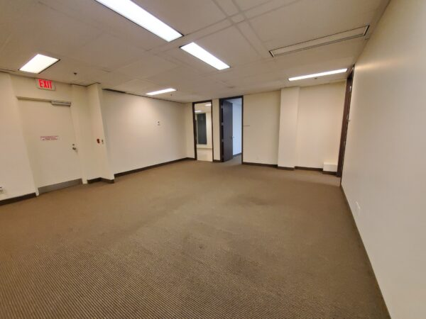 11 King Street West, Suite 570 Listing Thumbnail